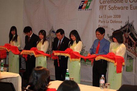 FPT Software Europe là trụ sở đầu tiên của Tập đoàn FPT tại châu Âu khai trương vào ngày 13/06/2008. Dịch vụ thế mạnh của công ty FPT Software Europe dự định tung vào thị trường châu Âu là mảng công nghệ New Technologies (J2EE, .NET, Oracle); công nghệ nhúng; dịch vụ nghiên cứu và phát triển (R&D). Các khách hàng lớn nhắm đến như: Renault, BNP Paribas, Neopost, Hitachi Europe.
