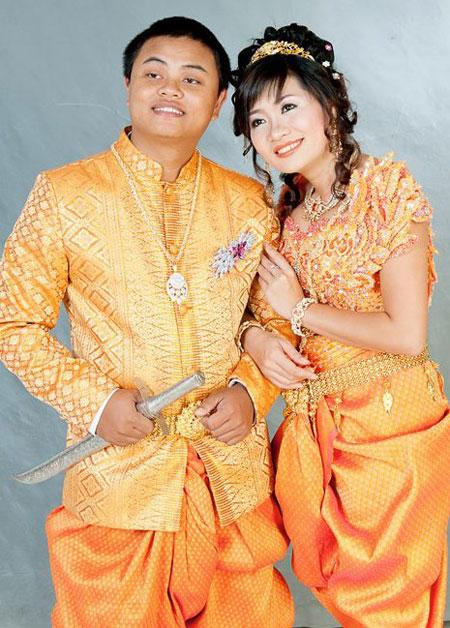 Sau khi kết hôn, vợ chồng tôi sống tại Campuchia làm việc tại FPT Telecom Campuchia trong khoảng 2 năm nữa.