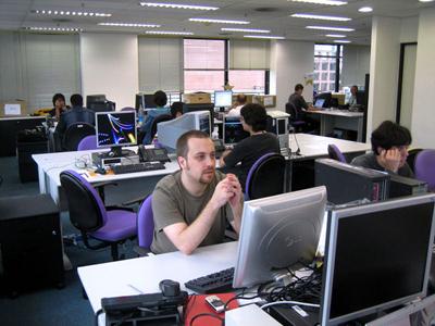 Từ tháng 6, mọi CBNV Yahoo đếu phải làm việc tại văn phòng. Ảnh: Internet.