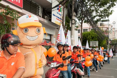 FPT Telecom chi nhánh Long An tổ chức mừng sinh nhật lần thứ nhất tại trụ sở số 142 Hùng Vương, phường 2, TP Tân An.