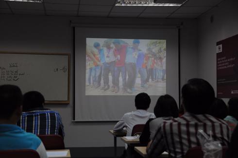 Sau buổi học, FSB mở đầu lễ sơ kết bằng việc trình chiếu lại quá trình tham gia khóa học bằng ảnh.