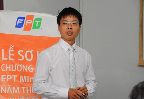 Thạc sĩ Trần Hữu Đạt, Trưởng phòng tư vấn Đào tạo, FSB, sơ kết khóa học.