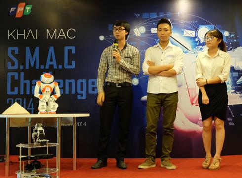 Đội vô địch SMAC Challenge mùa đầu tiên chia sẻ kinh nghiệm. Ảnh: C.T.