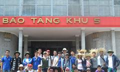 Người Phần mềm thăm Bảo tàng Hồ Chí Minh