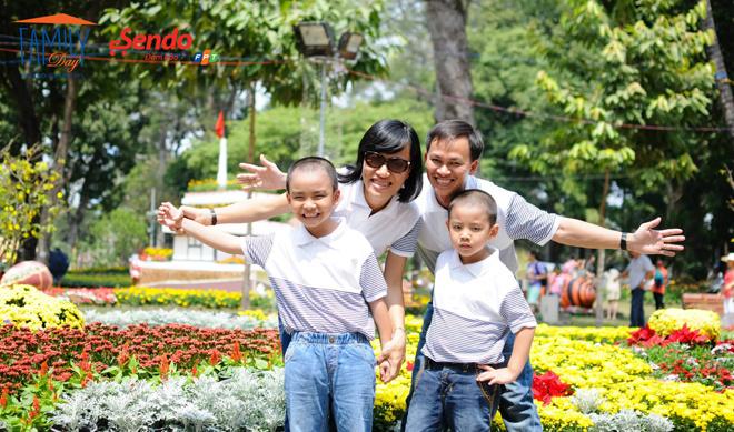 """Cùng """"Kề vai sát cánh"""" của gia đình anh Lê Thành Đô (FPT Software) và chị Huỳnh Nguyệt Như bên các con Lê Tuấn Kiệt, Lê Tuấn Khang."""