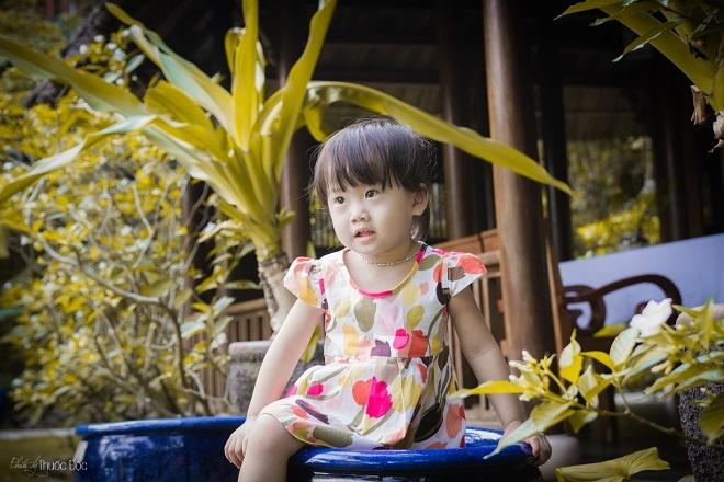 Qua lời kể của anh Tuấn, bé Nhirất ngoan nhưng rất cá tính, đặc biệt lười ăn, thích ăn gì thì ăn, bố mẹ không dỗ được.