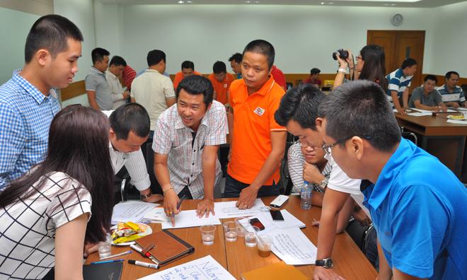 Thành phần mỗi đội bao gồm quản lý chi nhánh tỉnh, các Trung tâm Kinh doanh Sài Gòn, FTI, FPT Telecom Campuchia và Ban dự án nên mỗi người sẽ có góc nhìn và kinh nghimp riêng cùng đóng góp vào bài làm.