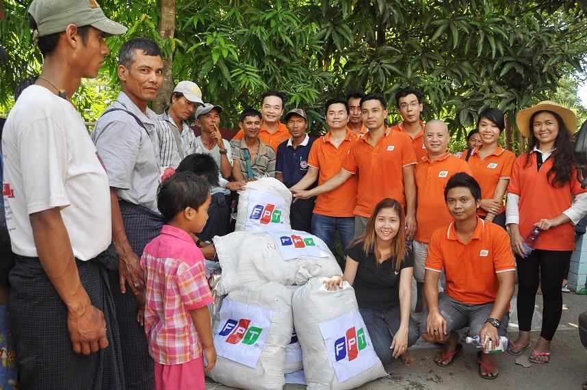 Cùng tham gia và quyên góp trong chuyến đi từ thiện, ngoài các thành viên của FPT Myanmar còn có FPT Software, FPT IS, FPT Trading, đối tác, khách hàng, bạn bè của FPT Myanmar.Chuyến đi còn là dịp kết nối các thành viên người Việt Nam - Myanmar, đưa mọi người lại gần nhau hơn và thể hiện trách nhiệm xã hội của FPT Myanmar tại nước bạn.