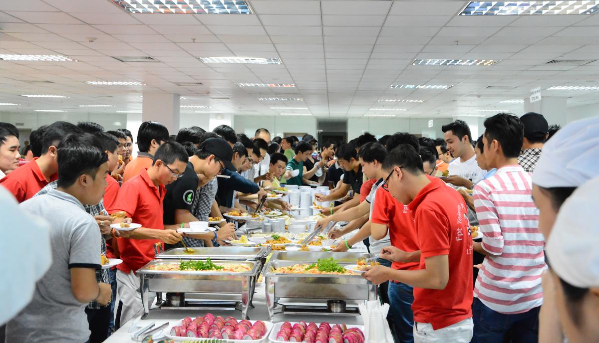 BTC cũng chuẩn bị sẵn tiệc nhẹ dành cho người tham dự.