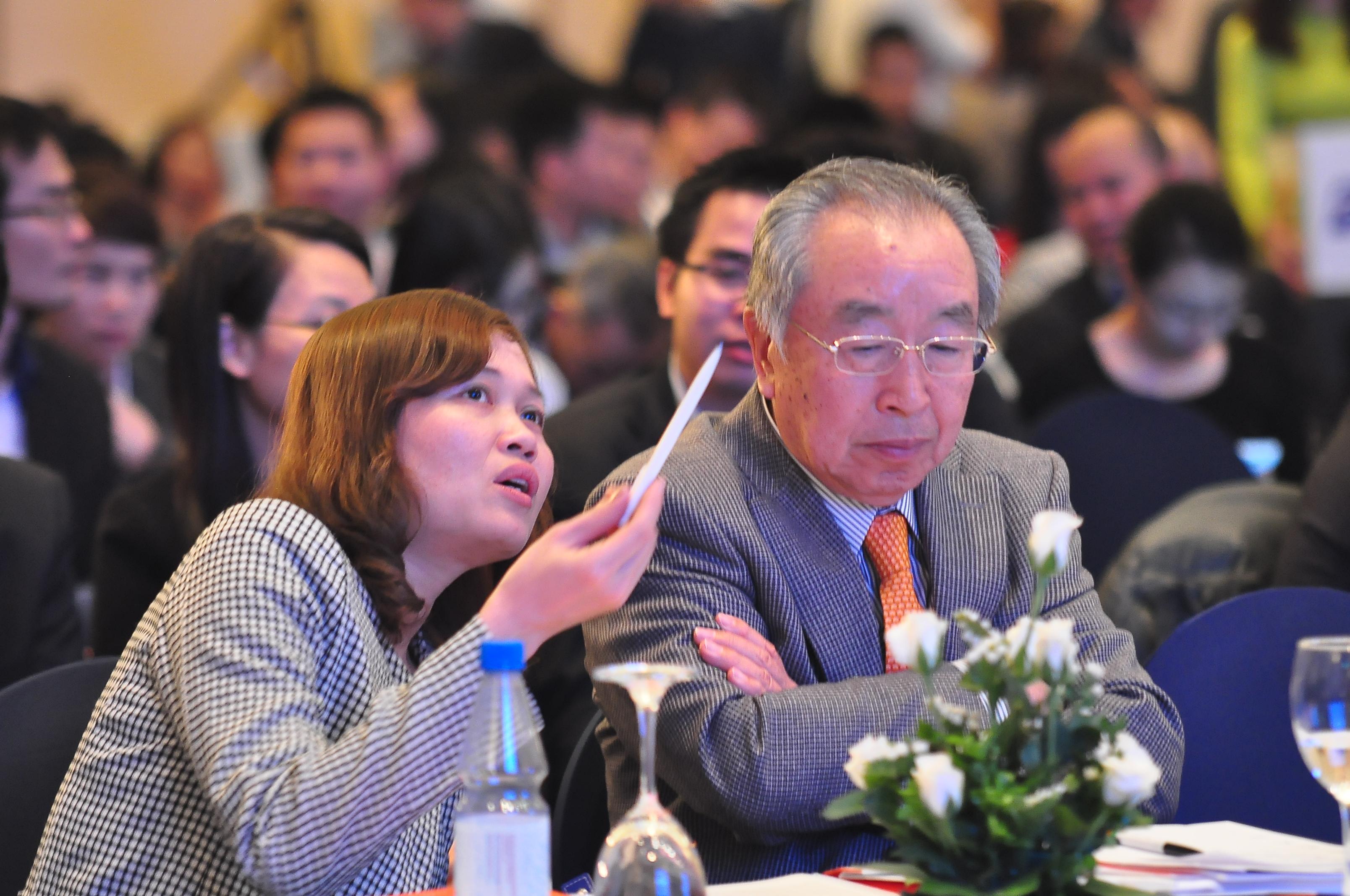 Thành viên HĐQT FPT, ông Tomokazu Hamaguchi (Nhật Bản), cũng đến dự ĐHĐCĐ. Đây là năm thứ hai ông tham gia ĐHCĐ của tập đoàn.