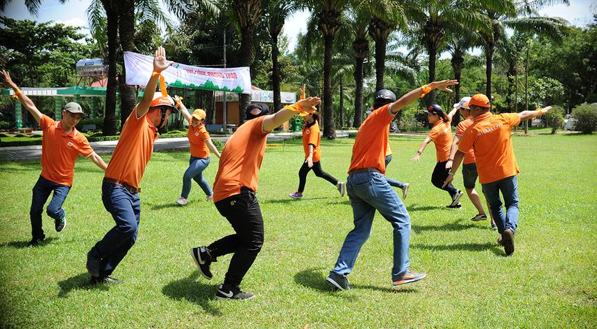 """Phần thi """"Vũ điệu vườn chim"""" giúp các đội tạo được dấu ấn riêng bằng những màn trình diễn nhảy độc đáo và không đụng hàng. Trong phần thi này, Gõ kiến giành giải Nhất một cách thuyết phục."""
