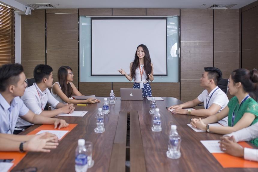Phòng họp cũng được thiết kế sang trọng, hệ thống điện, âm thanh và ánh sáng đạt tiêu chuẩn quốc tế.