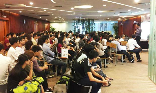 Năm ngoái, Nhân viên khởi sự của FPT Software đã thu hút được gần 200 sinh viên tham gia.