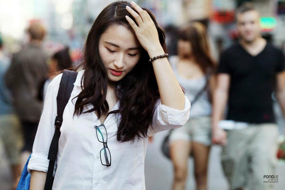 """Vào đại học lại là một bước ngoặt nữa với cô gái trẻ đa tài. Linh không đi theo sở trường tiếng Anh vốn có mà """"dấn thân"""" vào lãnh địa Nhật Bản học của trường ĐH Khoa học Xã hội Nhân văn, ĐHQGHCM."""