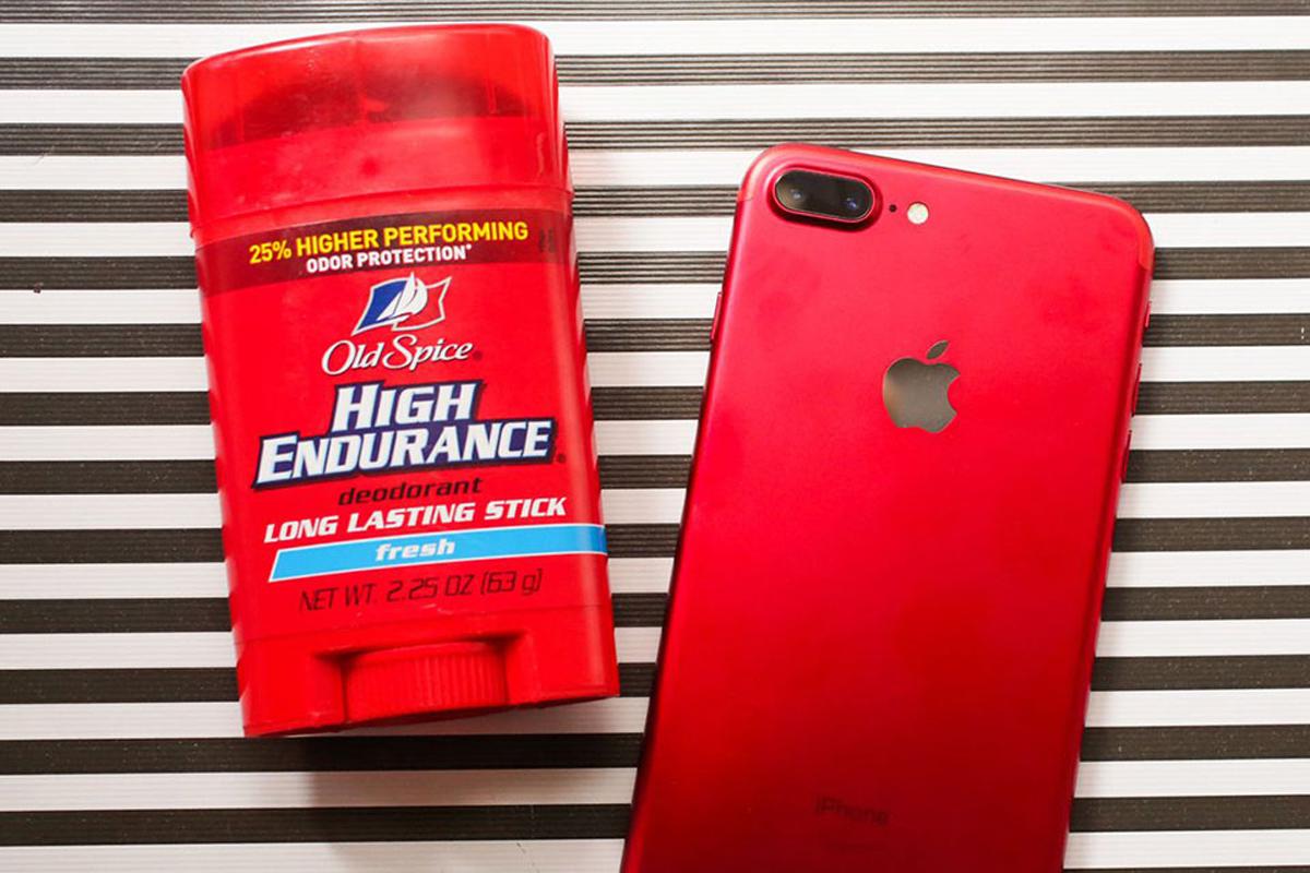 Một khía cạnh khác có thể dễ nhận ra rằng iPhone 7 Plus RED dường như