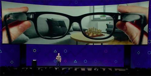 Kính thực tế ảo giúp người dùng không cần sở hữu những thiết bị có màn hình khác.