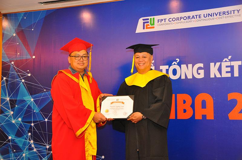 Đợt này, FSB công nhận tốt nghiệp cho 30 học viên khóa 35, khai giảng hồi tháng 3/2016.