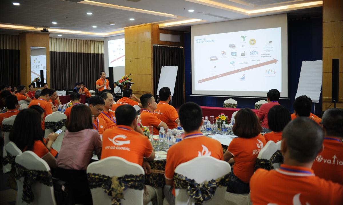 COO Hoàng Việt Hà đánh giá lại các chiến lược của tập đoàn và các công ty thành viên.Từ tỷ lệ tăng trưởng doanh thu/lợi nhuận, so sánh FPT và các công ty hàng đầu Việt Nam đến phân khúc thị trường theo lĩnh vực, thành quả toàn cầu hóa, chuyển đổi Số... Tất cả được thể hiện bằng các chỉ số sinh động.