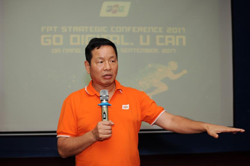 """Chia sẻ thêm về các thách thức đặt ra, Chủ tịch Trương Gia Bình cho rằng trước kia chúng ta làm một lần thu một lần. """"Nhưng chúng ta đang hướng đến làm một lần thu 2 lần hay nhiều hơn thế"""", anh Bình khẳng định. """"Chúng ta cần cung cấp giải pháp cho thuê. Đây là một hướng đi rất sáng và FPT có năng lực trong vấn đề này. Đó cũng là con đường lớn mà nhà FPT muốn tái khởi nghiệp""""."""