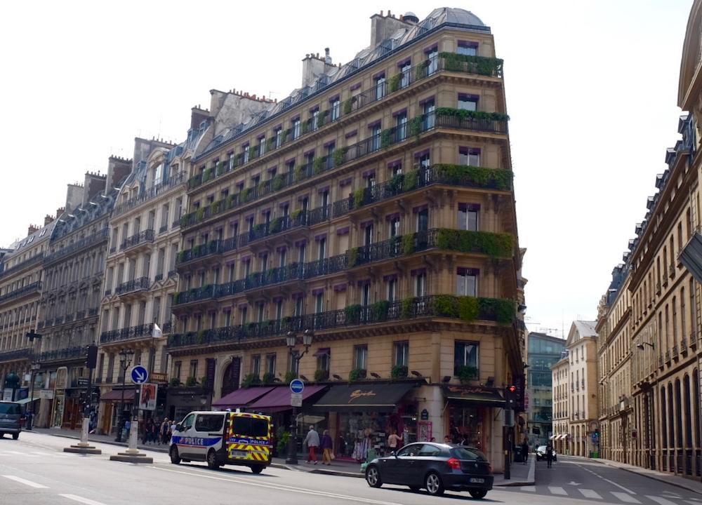 Những góc phố nhỏbình yên của Paris.