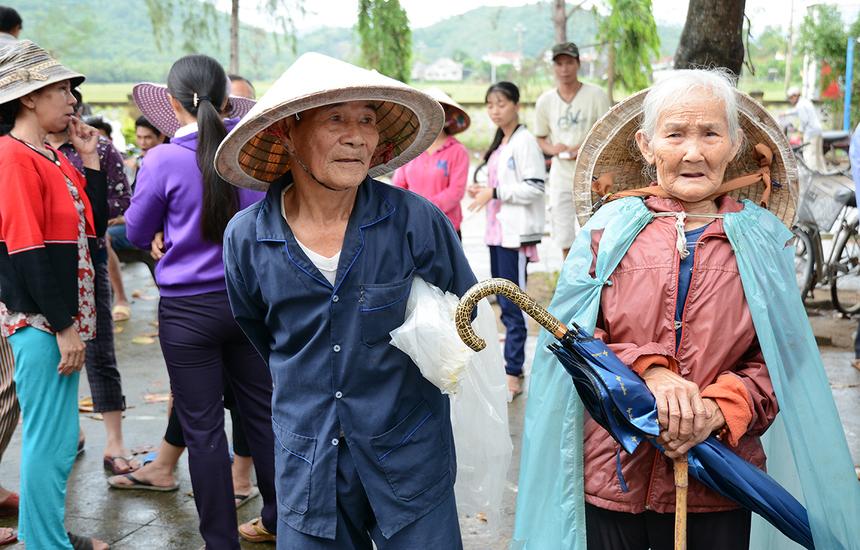 Là xã miền núi nên cuộc sống nơi đây còn rất nhiều khó khăn về đời sống. Người dân chủ yếu sống bằng nghề trồng mía, trồng củ mì.