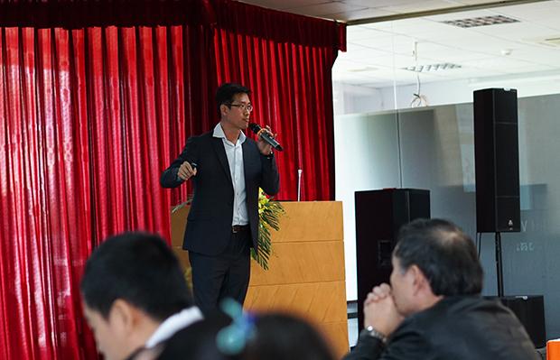 Phó Giám đốc phụ trách quản lý và phát triển của Singapore Polytechnic SOH Kim Fai