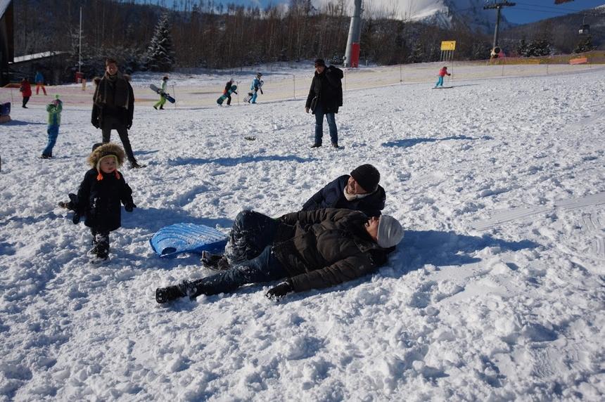 Người FPT trời Âu không giấu sự hào hứng khi dành thời gian thư giãn trong tiết trời rất lạnh.