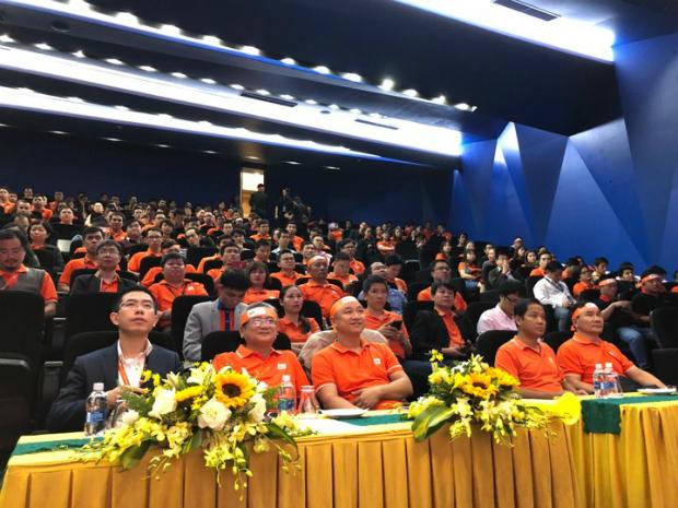 Buổi Open talk có sự tham dự của PTGĐ FPT, CEO FPT Telecom Hoàng Việt Anh cùng các lãnh đạo và hơn 300 CBNV FPT Đà Nẵng.