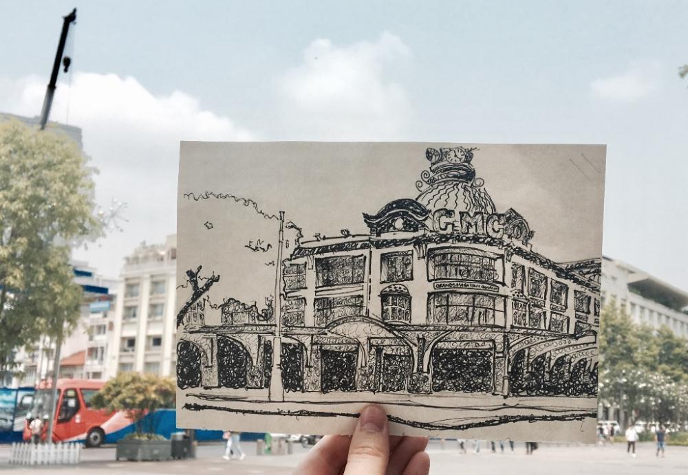 """Là một trong những công trình lâu đời ở Sài Gòn, góp phần tạo nên """"Hòn ngọc Viễn Đông"""" của châu Á, thương xá Tax đã gắn liền với ký ức của nhiều người. Sinh viên ĐH FPT đã vẽ lại hình ảnh Thương xá Tax vào năm 1934, khi tên của công trình - Les Grands Magazins Charner (GMC) - được gắn lên trên toà nhà. Thương xá Tax được xây dựng theo phong cách kiến trúc Pháp với những nét chấm phá mang đậm đường nét văn hóa Á Đông. Kỷ niệm 43 năm ngày Giải phóng Miền Nam, tìm hiểu Sài Gòn trước 1975 qua những công trình cổ tại TP HCM đã trở thành một đề tài bài tập môn ký hoạ cho nhóm sinh viên ngành Thiết kế đồ hoạ trường Đại học FPT. Chỉ vừa bước vào học kỳ 2 của chuyên ngành, nhưng các sinh viên ĐH FPT đã thể hiện được khả năng của mình.(Tác giả Trần Nguyễn Nhật Minh)."""