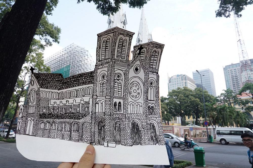 Hình ảnh Nhà thờ Đức Bà khác lạ với không ít người dân TP HCM. Đây là lúc Nhà thờ vừa được hoàn thành năm 1882, không có 2 tháp chuông như thời điểm hiện tại. Đến năm 1895, hai tháp chuông nhọn cao 57m được bổ sung, Nhà thờ trở thành công trình cao nhất Sài Gòn thời điểm đó. (Tác giả Hồ Quốc Hiển)