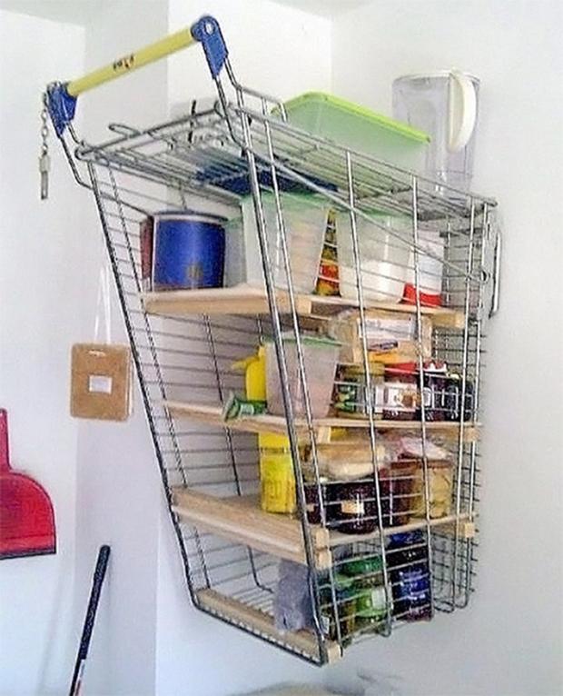 Công dụng mới của xe đẩy siêu thị.