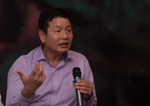 """Chủ tịch Trương Gia Bình nhấn mạnh, đây chính là cơ hội để FPT Telecom thay đổi lần nữa. Đã đến lúc Cáo phải trở thành Sư tử để chiếm lĩnh lãnh thổ riêng cho mình. """"Chúng ta cần phải có một hạ tầng hùng mạnh đáp ứng cho tương lai 4.0."""