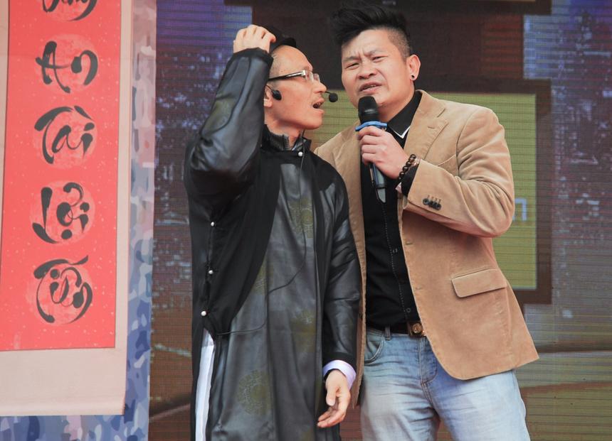 """Viện sĩ kỳ cựu Nguyễn Khắc Thành dù đã sống được """"hơn nửa cái thế kỷ"""" vẫn cho thấy """"gừng càng già càng cay"""" khi khiến lớp đàn em phải thán phục."""