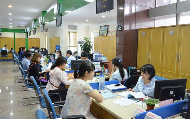 qn-dung-tiep-nhan-cong-chuc-vi-5453-4865