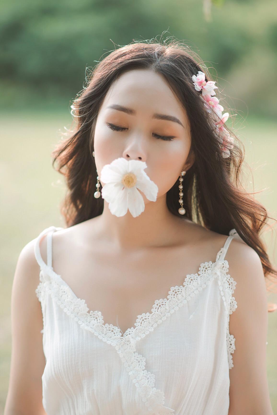 Sinh năm 1995, Linh Trang hiện theo học chuyên ngành Marketing tại FPT Polytechnic.
