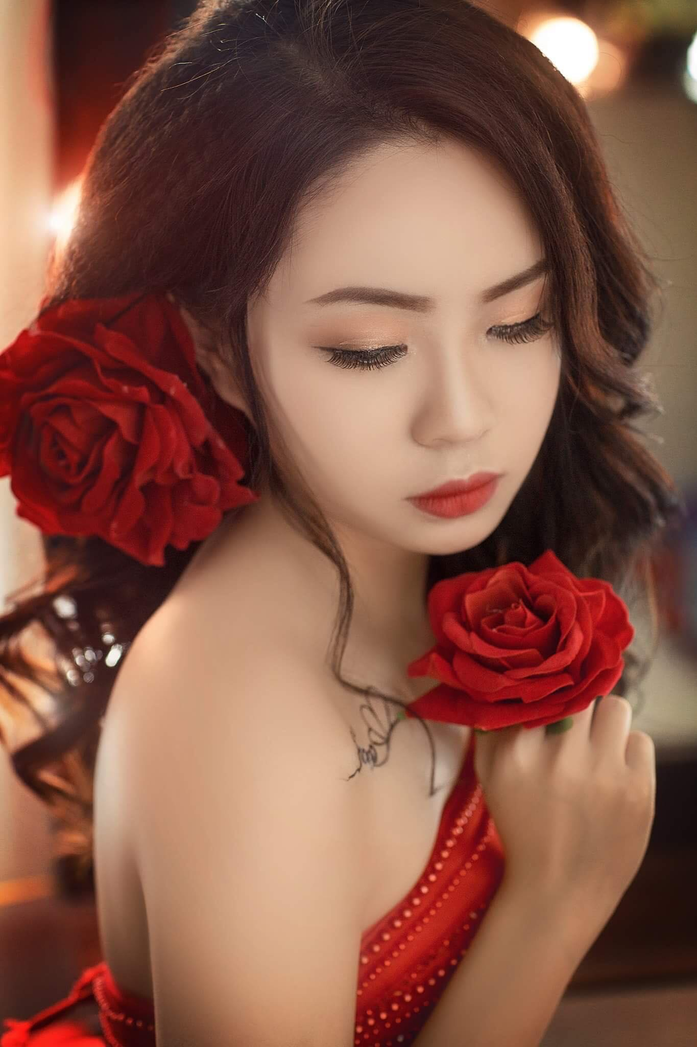 Gần đây nữ sinh FPT được nhiều người biết hơn khi tham gia gameshow ''Đại chiến kén rể của đài HTV7'' và ''Cuộc thi Miss Vietnam Photo Model''. Mỗi lần đứng trên sân khấu mang lại cho Trang nhiều trải nghiệm đáng giá. Cô trưởng thành hơn sau mỗi cuộc thi.