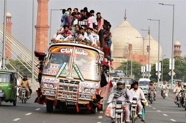 """""""Người vận chuyển"""" phiên bản Ấn Độ."""