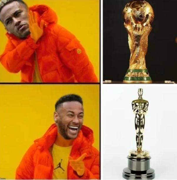 Nhiều người hâm mộ còn cho rằng không phải Cup vàng World Cup, mà tượng vàng Oscar mới là thứ Neymar thực sự mong muốn.