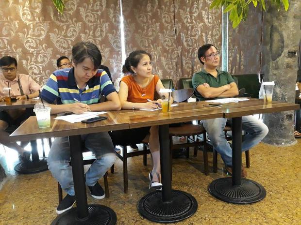 Bộ 3 giám khảo của cuộc thi:anh Lã Quang Vinh (PGĐ FGA); anh Nguyễn Thái Sơn (Trưởng ban Văn hóa – Đoàn thể FPT Software) và chị Tô Thanh Hằng (FGA.S16, giọng ca vàng của FPT Software, thành viên tổng hội FGA).