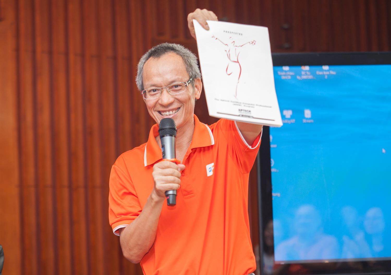 Một trong những ấn phẩm đầu tiên của FPT Aptech. Biểu tượng được anh Mai Thanh Long thiết kế gợi hình tượng sự thăng hoa của học viên sau khi tốt nghiệp.