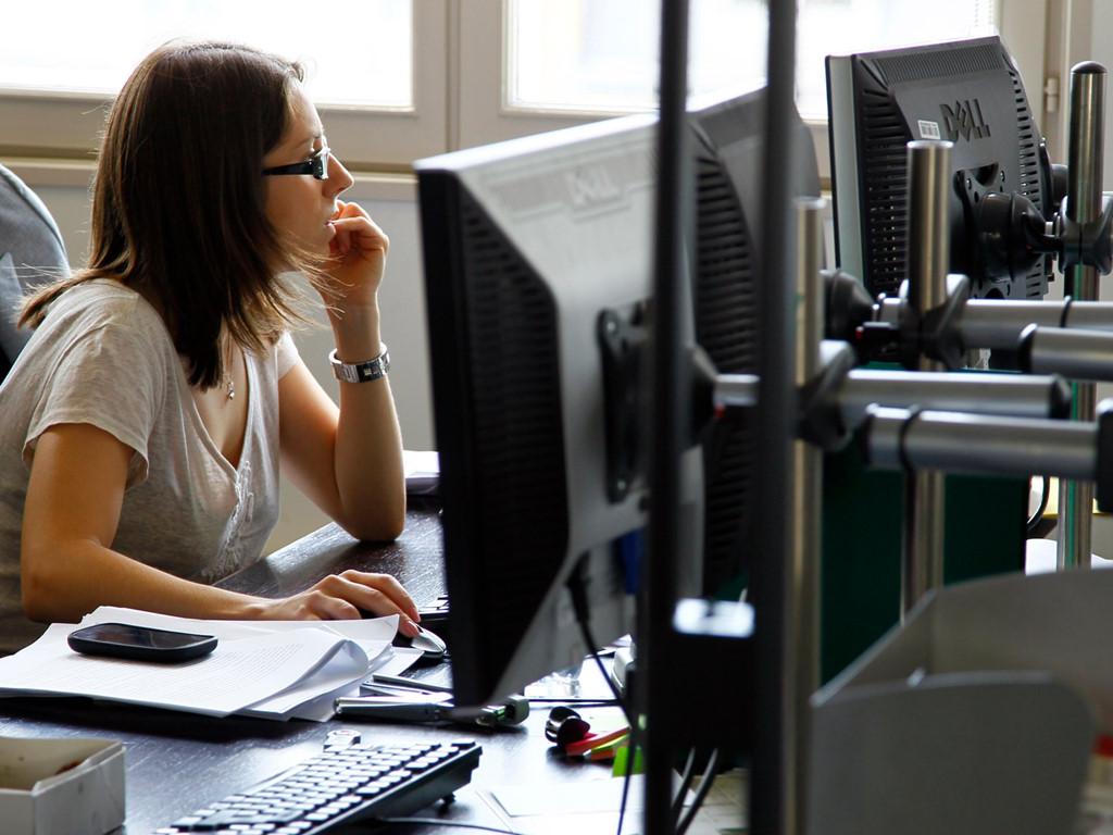 7. Trưởng phòng kỹ thuật (Technical Programs Manager - 145.000 USD) sẽ theo dõi nhiều dự án khác nhau trong công ty, kiểm thử phần mềm, đặt ra kỳ vọng và giám sát quá trình phát triển sản phẩm.