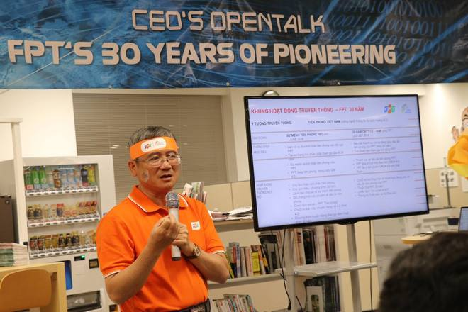 """Đặc biệt, CEO FPT đánh giá cao vai trò, vị trí của FPT Japan đối với tập đoàn ở hiện tại và tương lai. """"Năm nay là sinh nhật lần thứ 13 của FPT Japan. Số 13 được gọi là con số thiêng của FPT. Trong các lễ kỷ niệm thành lập, chỉ có năm thứ 13 là năm lẻ duy nhất. Năm nay cũng là năm FPT Japan sắp chào nhân viên thứ 1.000"""", anh Ngọc chia sẻ."""