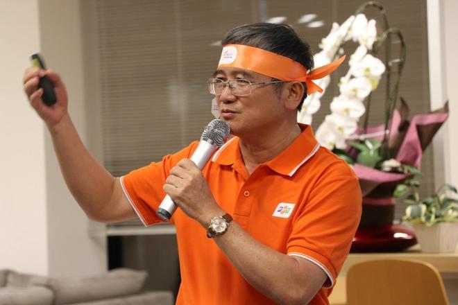 TGĐ Bùi Quang Ngọc giới thiệu với CBNV FPT Japan về chương trình Lễ kỷ niệm 30 năm thành lập tập đoàn như các cuộc thi đua, xác định các kỷ lục, tặng quà cho toàn thể hơn 30.000 nhân viên, tri ân đối tác khách hàng lâu năm, triển lãm công nghệ, hội thao và hội diễn văn nghệ 13/9… Anh Ngọc kỳ vọng, qua các câu chuyện mang tính lịch sử của tập đoàn, CBNV xứ mặt trời mọc sẽ biết nhiều hơn về lịch sử FPT cũng như hiểu rõ sứ mệnh tiên phong của người FPT.