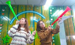 Người FPT đồng thanh thổi kèn Vuvuzela tại lễ phát động 30 năm