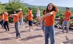 Người FPT Japan ngẫu hứng với điệu nhảy 'FPT Tiên phong'