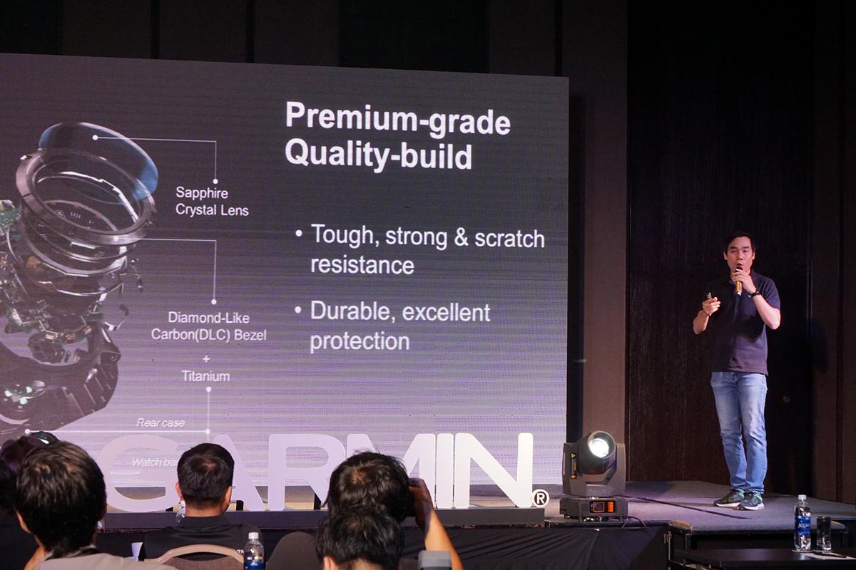 Anh Trần Thanh Hùng - Giám đốc sản phẩm Garmin giới thiệu chi tiết về các tính năng có trên các sản phẩm mới, bao gồm cả về giá bán và bảo hành qua nhà phân phối Synnex FPT.