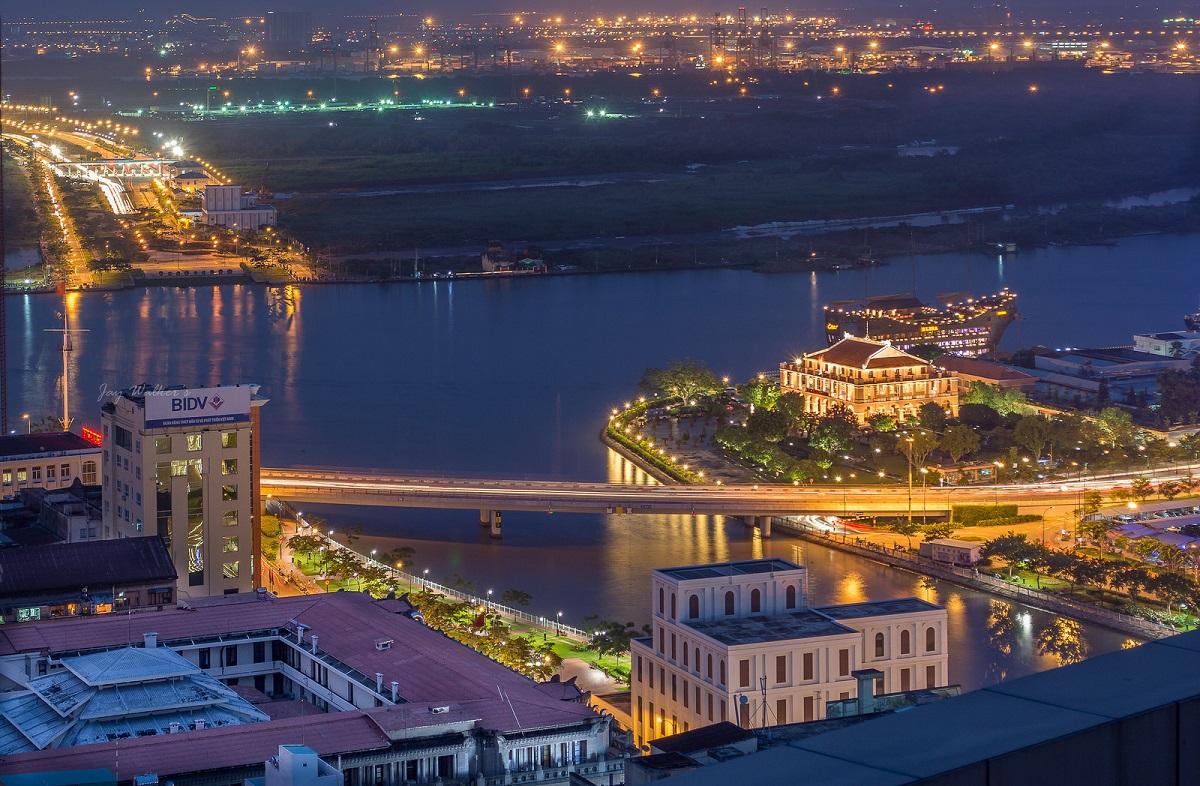 Tại TP HCM, người nhà F sẽ chạy qua Bến cảng Nhà Rồng tới tòa nhà FPT Tân Thuận - trụ sở thứ hai của FPT Telecom.