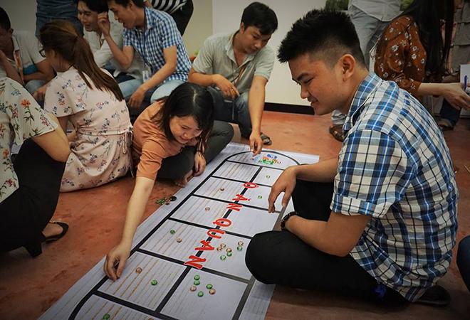 Tại FPT Software Đà Nẵng, trò chơi ô ăn quan được các BU trải nghiệm và thi đấu để tìm ra đại diện xuất sắc nhất. Mỗi BU được cử một nam vàmột nữ ra chơi.