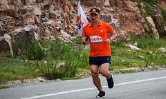 GĐ FPT Telecom Campuchia: 'Tôi vượt 2.000 km chỉ để chạy 1 km'