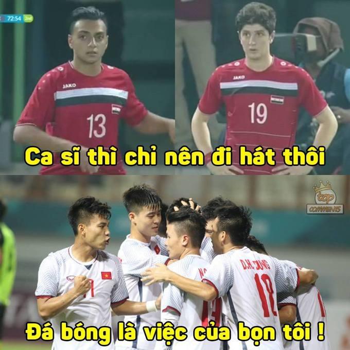 Hai cầu thủ số 13 Mohammed Kamel Koaeh và số 19 Abdulhadi Shalha của Syria cũng gây sự chú ý bởi vẻ ngoài giống 2 ca sĩ nổi tiếng của Việt Nam. Cầu thủ số 19 được ví với ca sĩ Ngô Kiến Huy. Dân mạng khuyên Syria nên đi hát, đá bóng thì để Việt Nam.